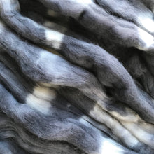 Load image into Gallery viewer, CHARCOAL hand dyed roving merino wool. Knitting spinning felting crafting wool fiber. Extra Fine 64s (21.5 micron). Dark gray wool. 4 oz.