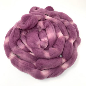 MAUVELOUS Mauve hand dyed roving merino wool. Knitting spinning felting crafting wool fiber. Extra Fine 64s. dusty purple pink wool. 4 oz.
