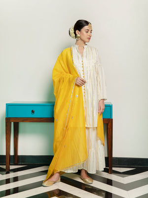 Set of 3 - Kanak Pintuck Kurta and Sharara With Chanderi Dupatta