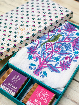 Bath Towel & Soaps Gift Box Set - Pinklay