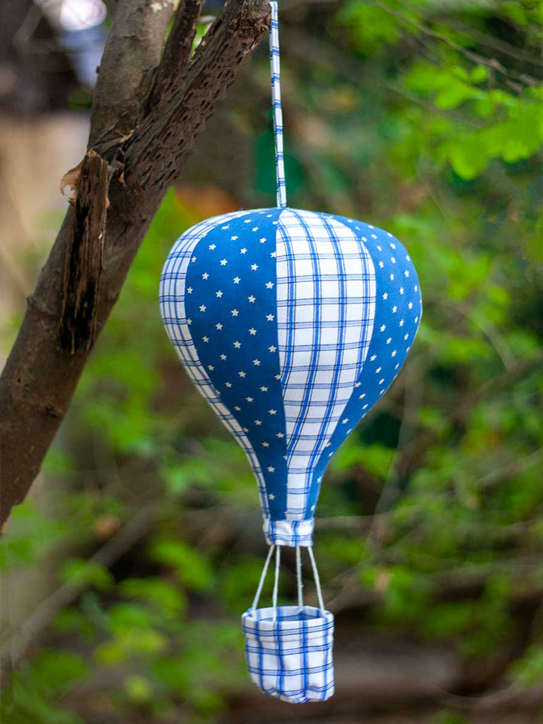 Carl's Hot Air Balloon Hanging Kids Decor - Pinklay