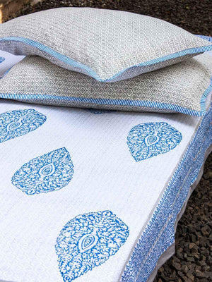 Indigo Buta Jaal Hand Block Print Cotton Double Bed Sheet Set With 2 Pillow Covers - Pinklay