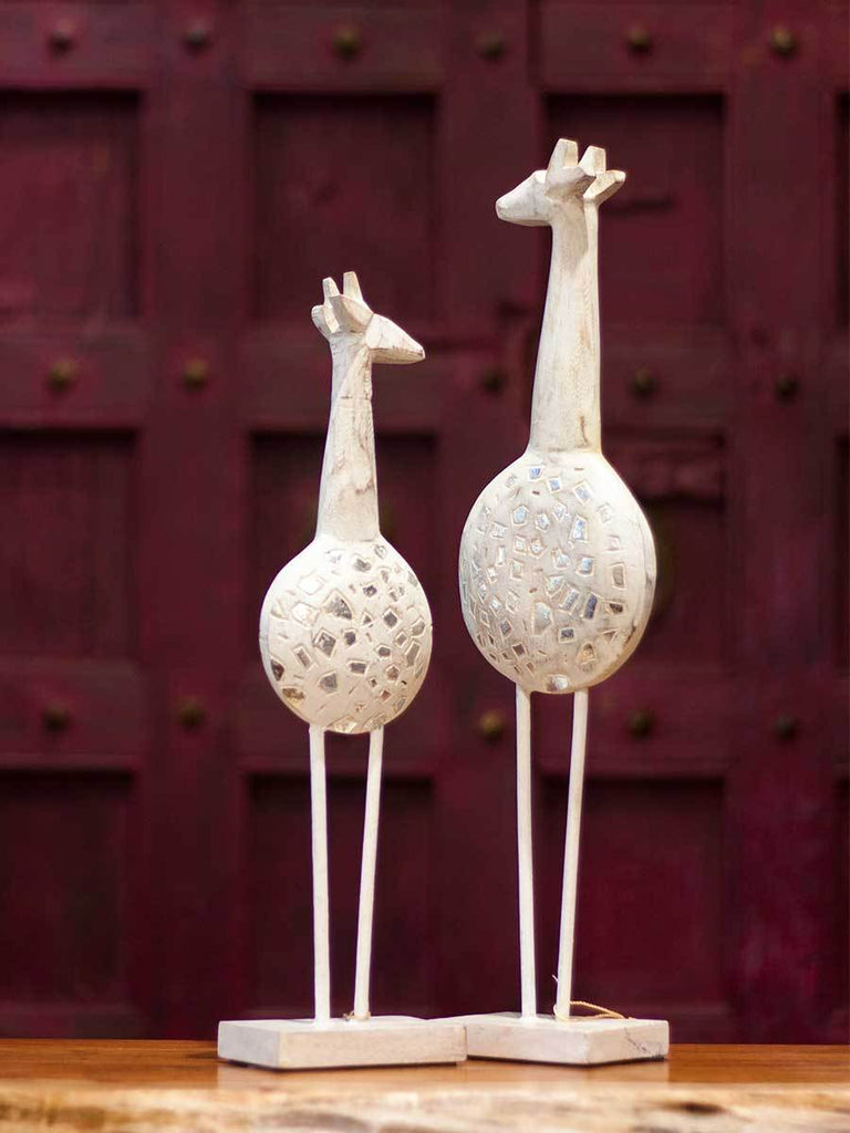 Vintage White Wooden Giraffe Sculpture with Silver Detailing - Set of 2 - Pinklay