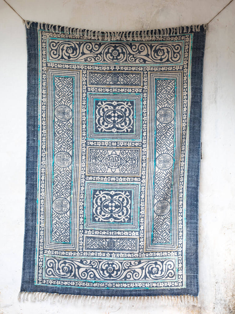 Palace Grounds Emboidered Dhurrie Rug - Pinklay