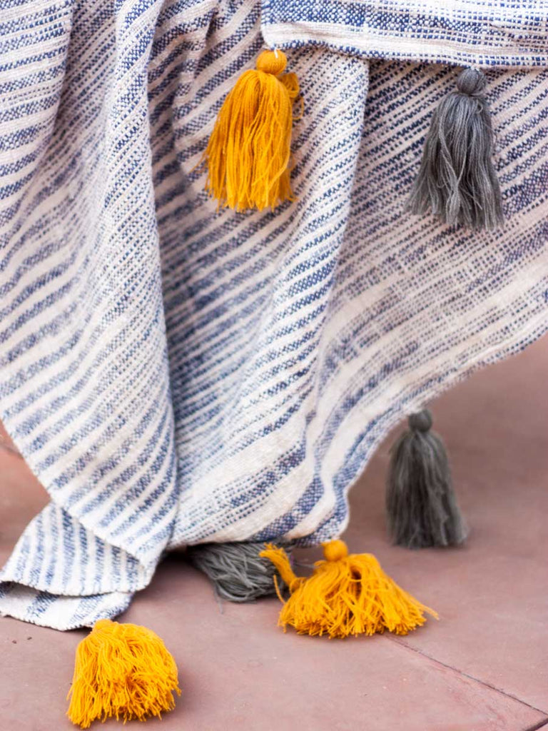 Nightfall Handwoven Throw with Tassels - Pinklay