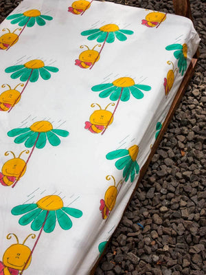 Bumblebee Cotton Cot/Crib Fitted Sheet - Pinklay