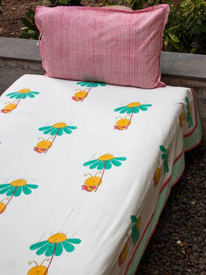 Bumblebee Cotton Single Bedsheet Set - Pinklay