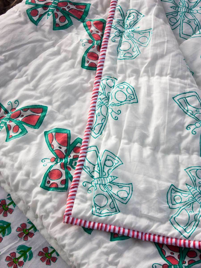 Butterfly GOTS Certified Organic Cotton Reversible Quilt for Infants and Toddlers - Pinklay