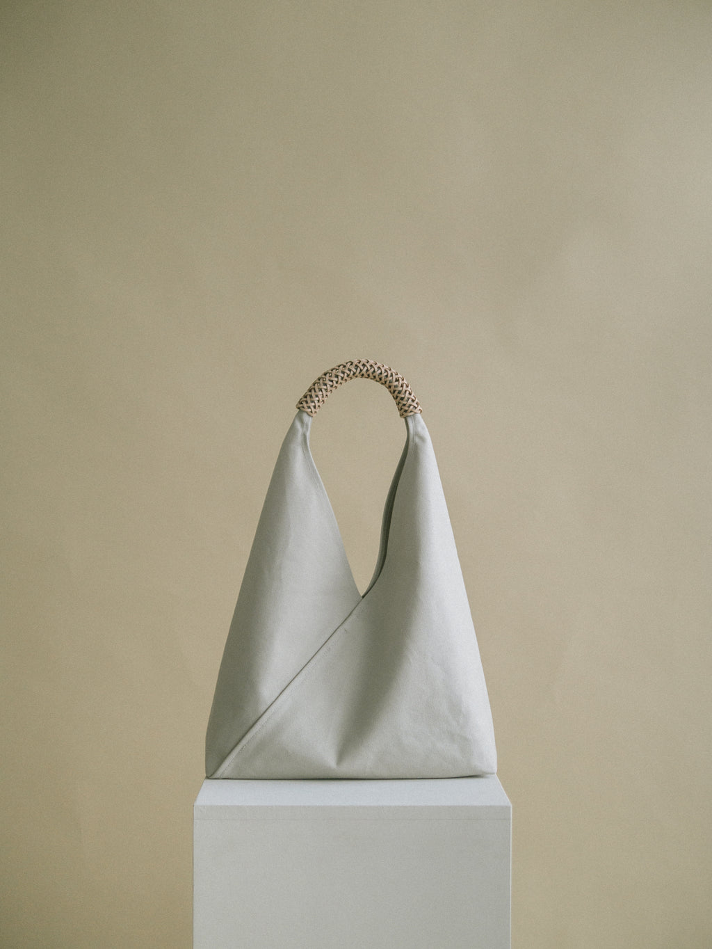 Woven Triangle Bag 58cm - Ivory