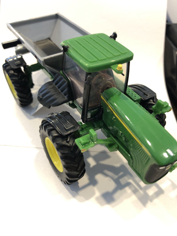 1:64 scale John Deere Dry Box Spreader KB Depot Express