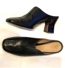 Load image into Gallery viewer, THE ROW LUCID HEEL ROUND TOE SLIDES, SZ 11