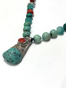 BOUTIQUE STONE BEAD, JADE, CORAL AND SILVER NECKLACE