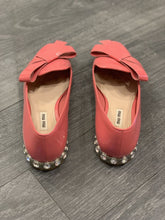 Load image into Gallery viewer, MIU MIU PATENT LEATHER SHOES, SZ 39 1/2