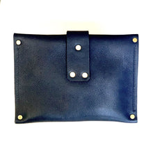 Load image into Gallery viewer, SAMANTHA GRISDALE LEATHER CLUTCH