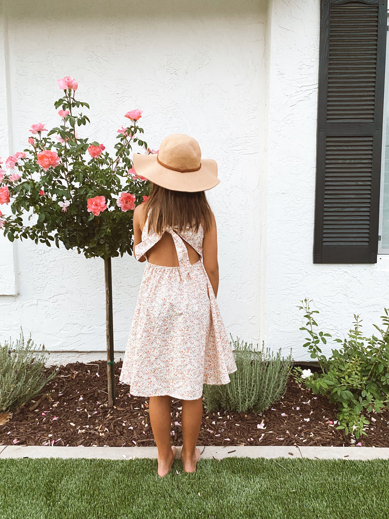 open back dress in petite floral
