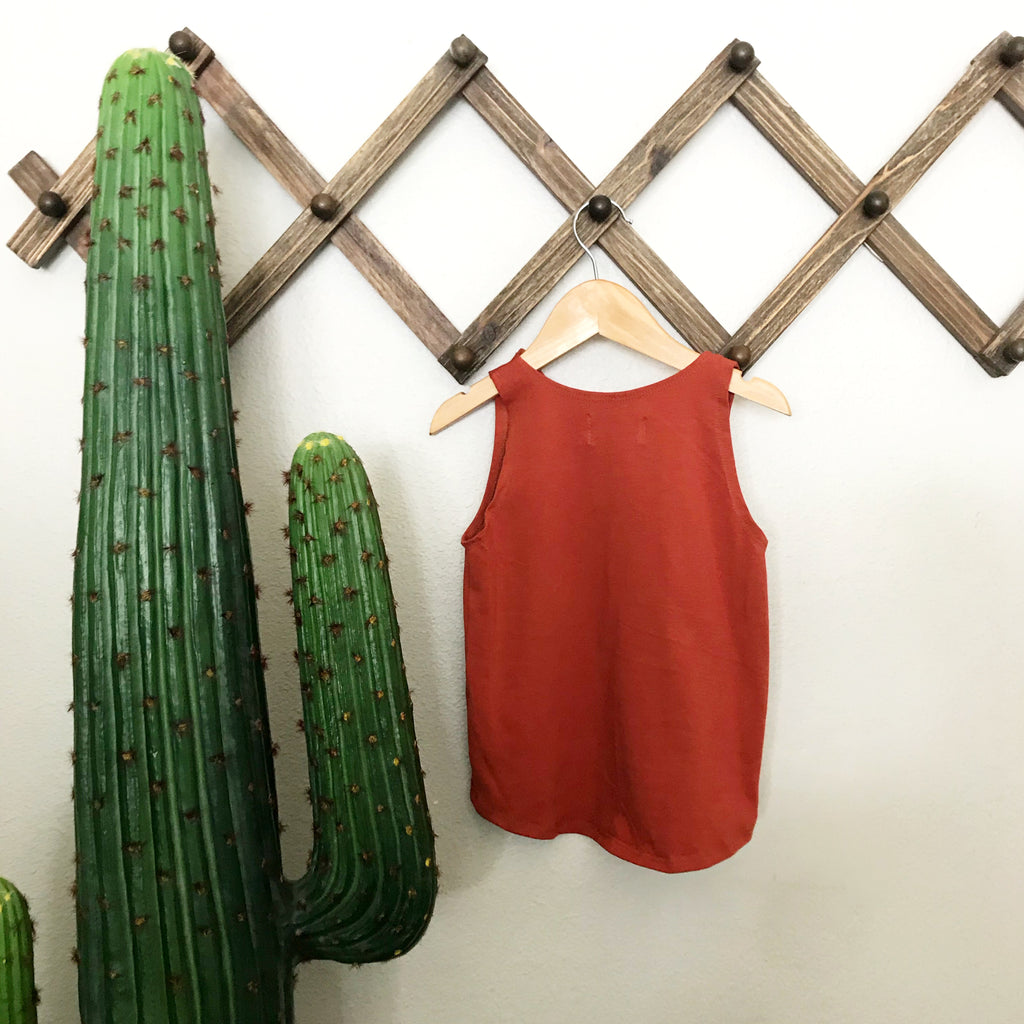 basic collar tank |  rust