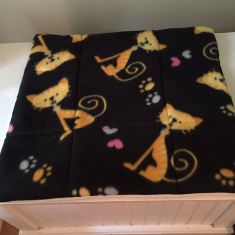 Kitty Love print Cat Bed
