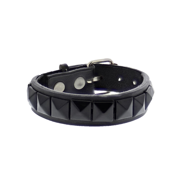 Black on Black 1-Row Pyramid Studded PU Bracelet with Buckle
