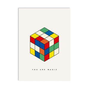 Postal con la ilustración de un cubo de Rubik y el texto You are magic