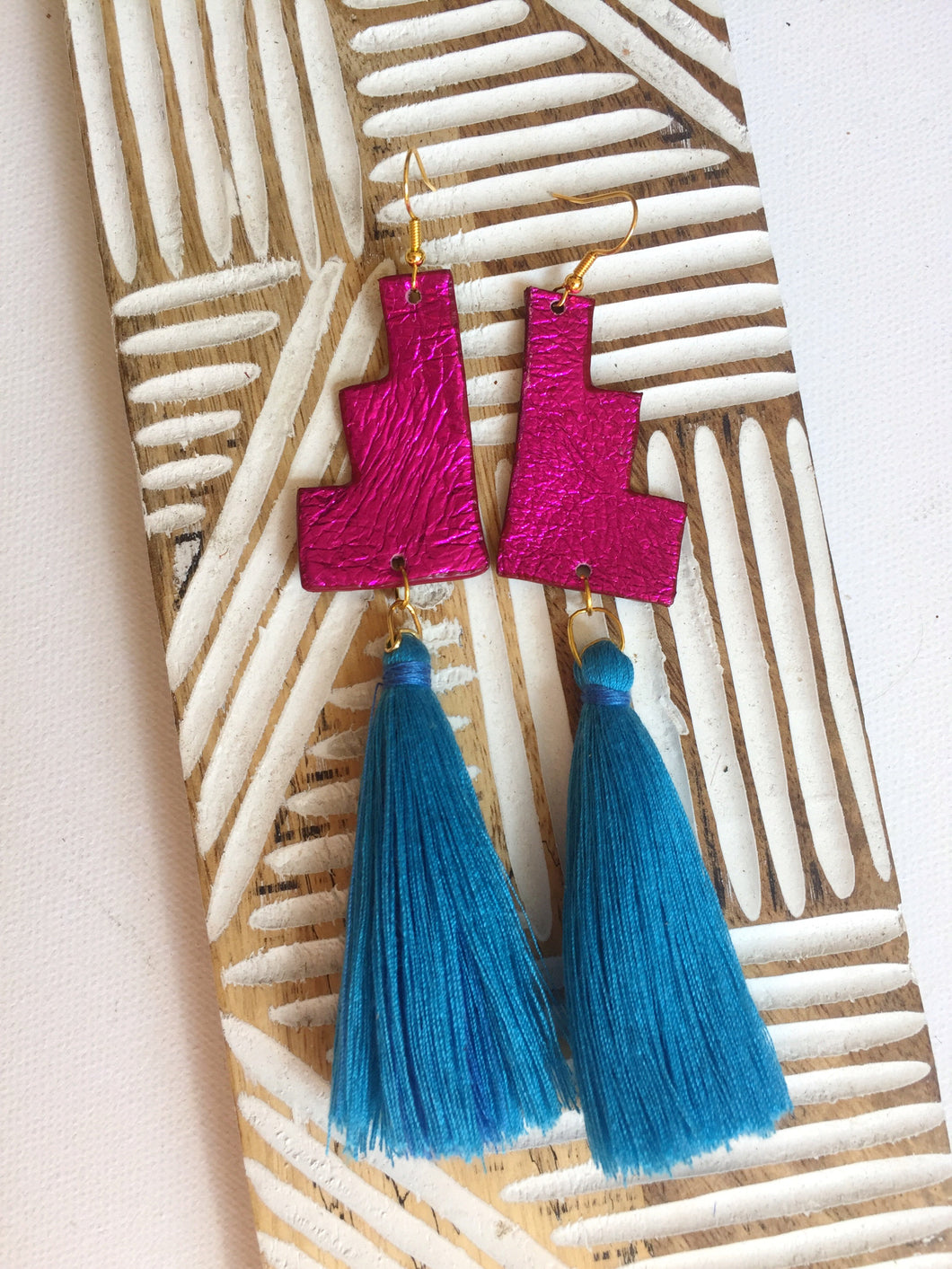 Leather earrings: Teotl