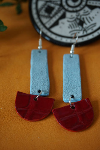 Leather earrings : Atl