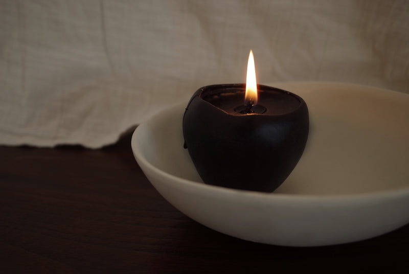 Bees wax candle in apple shape (Burgundy)