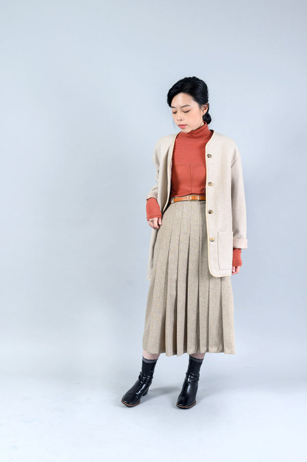 Beige wool coat w/ quilted inner