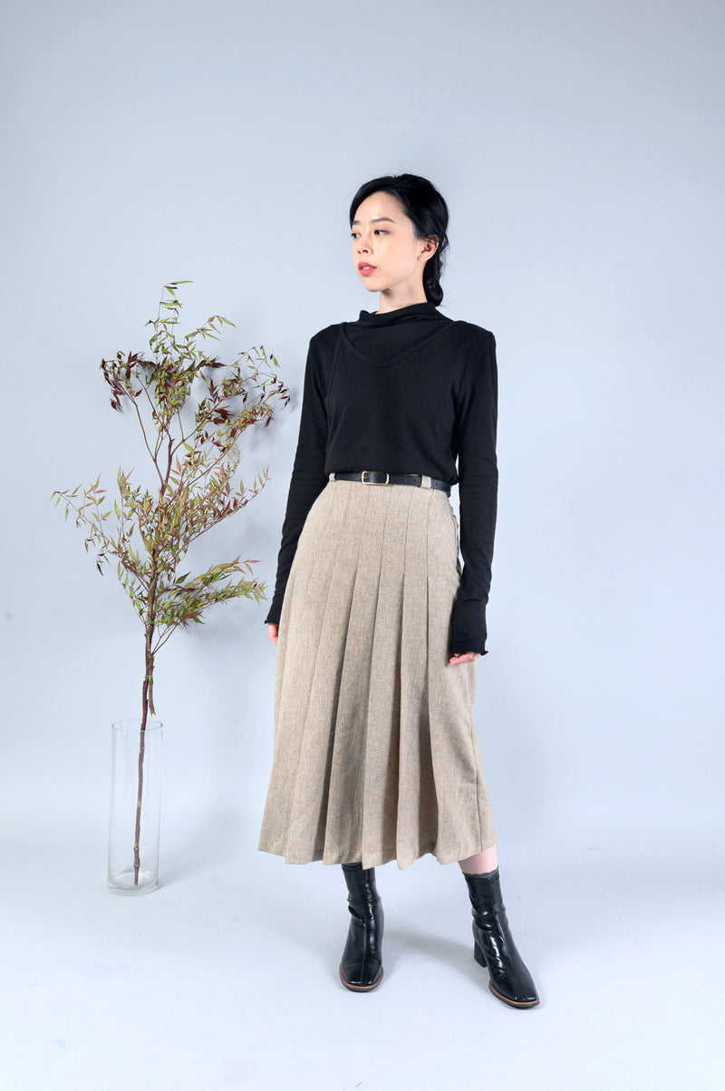 Wheat pleats skirt in elastic waist