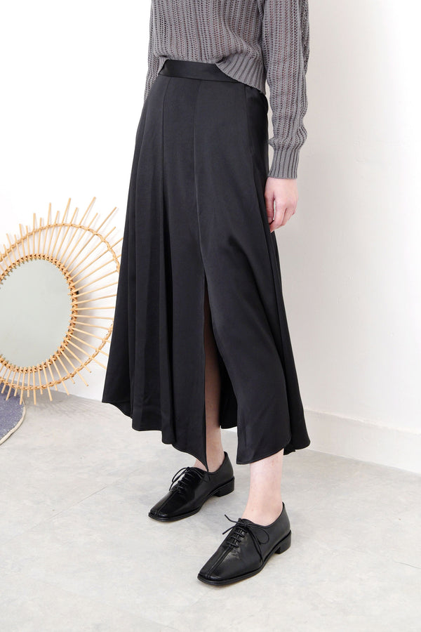 Black satin skirt in flare cut
