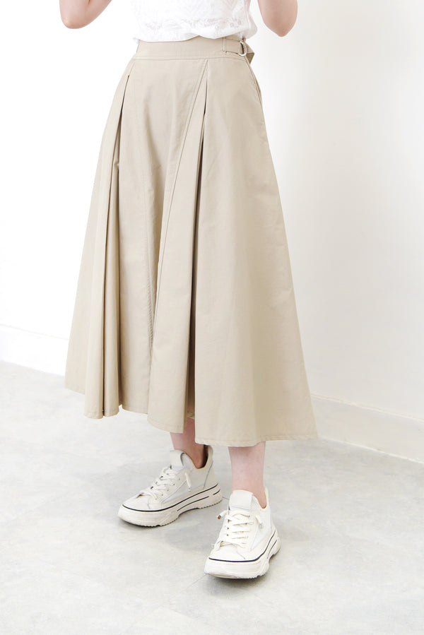 Oatmeal detail pleats skirt in side buckles