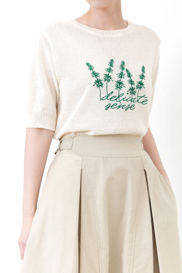 Linen knit top in embroidery