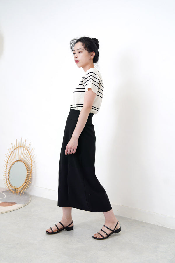 Black balloon cut skirt