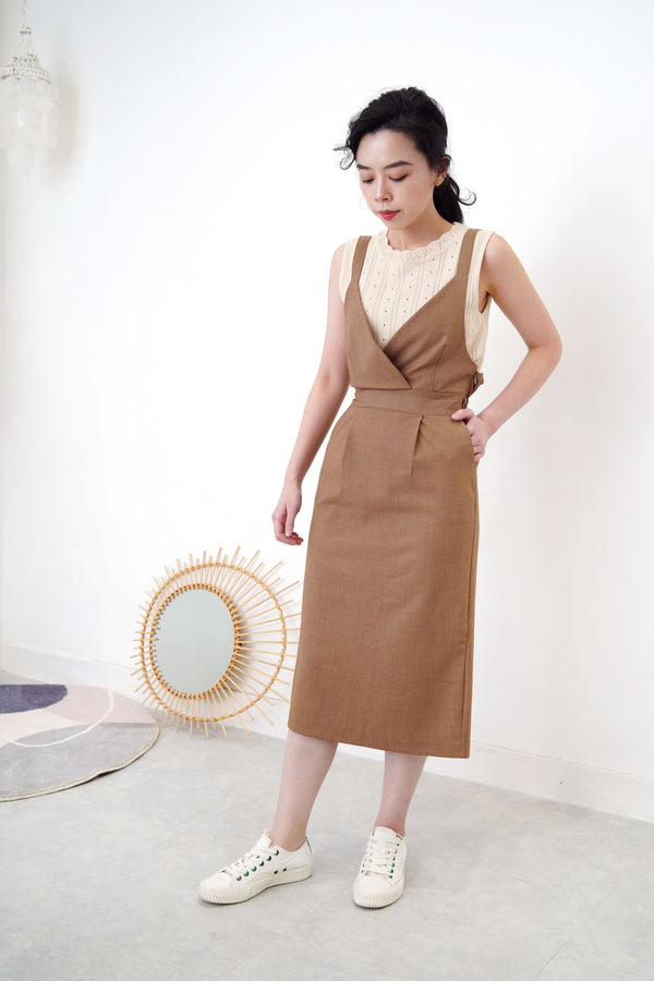 Brown cami dress w/ elastic waist back
