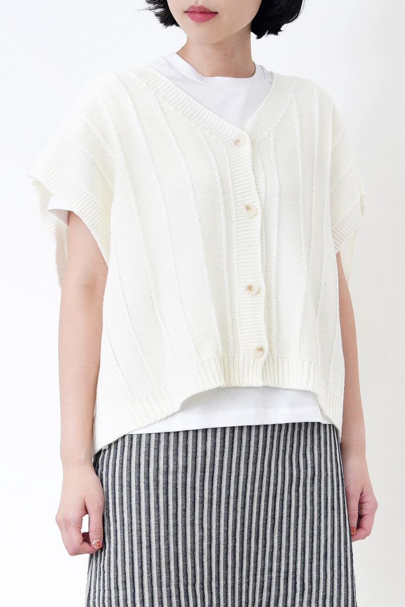 Geometric pattern sweater in stepped hem