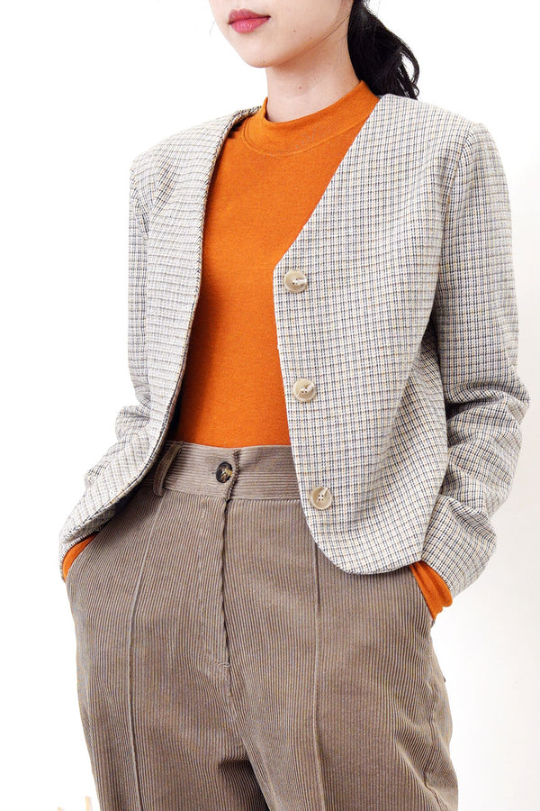 Beige checked v neck blazer in crop cut