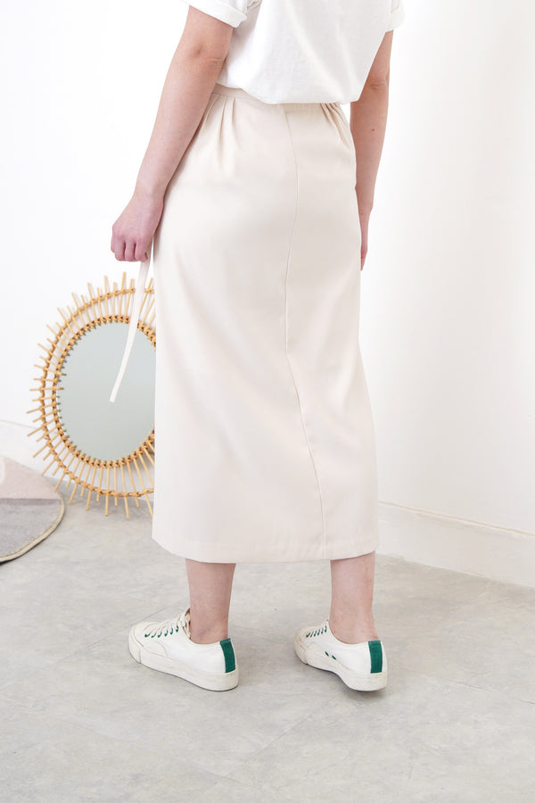 Cream wrap skirt w/ side buckle