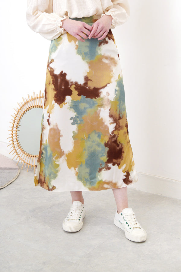 Tie dyed h-cut chiffon skirt