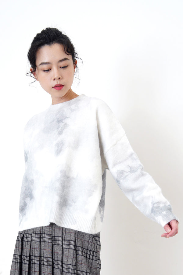 White soft knit sweater in ink print