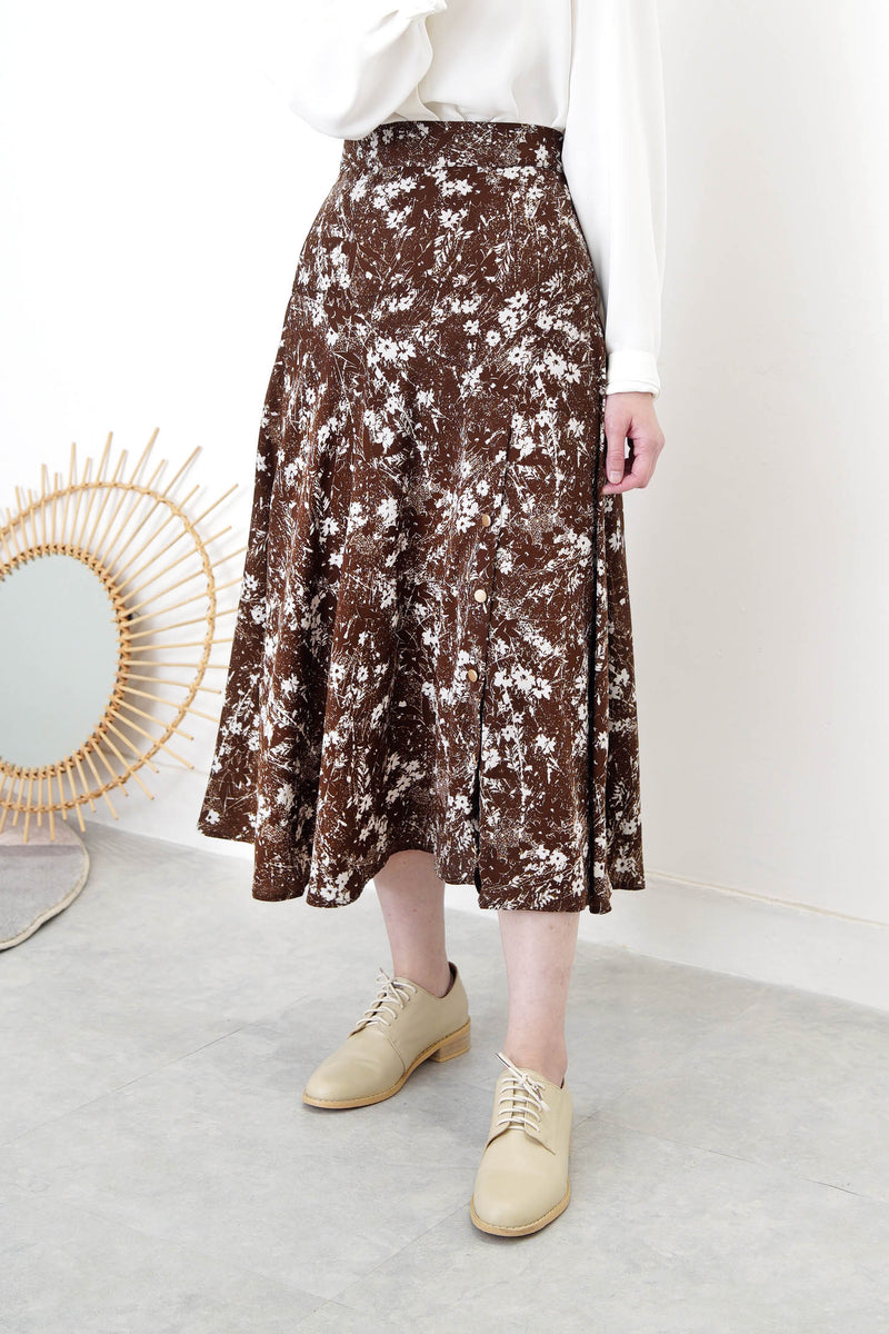 Brown flare cut skirt in floral print