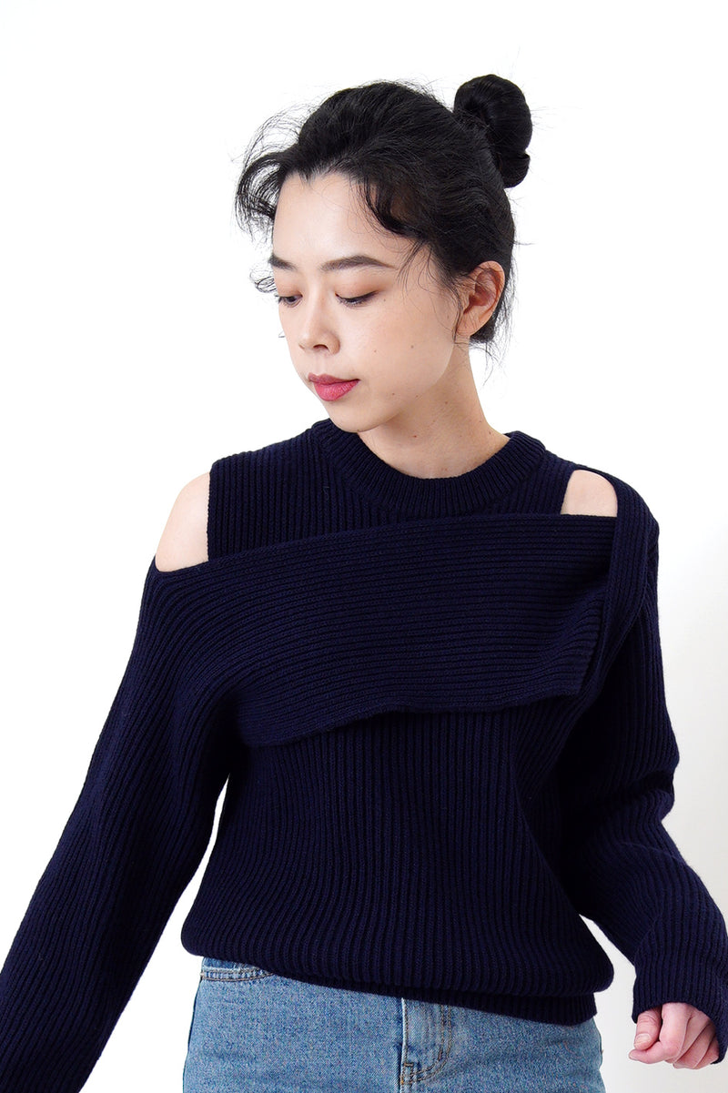 Navy sweater in cross straps cutting