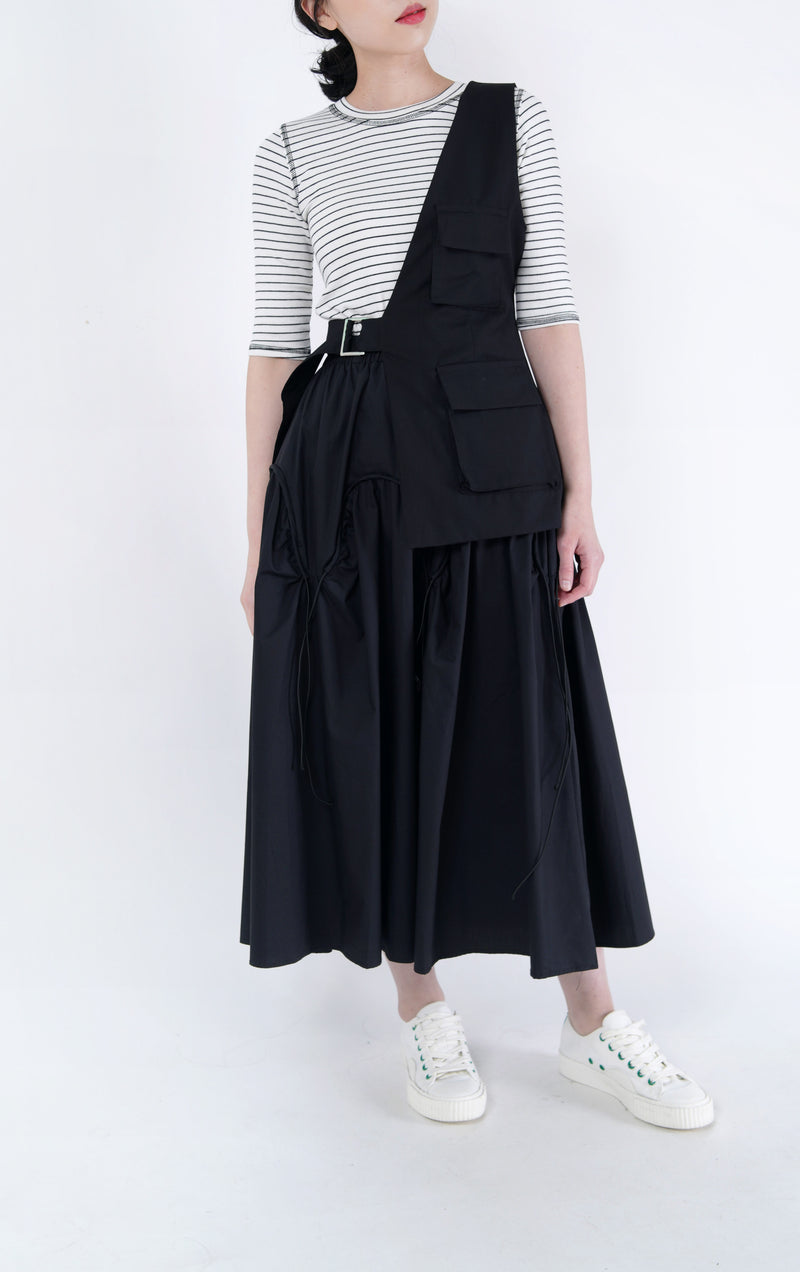 Black flare skirt in drawstring details