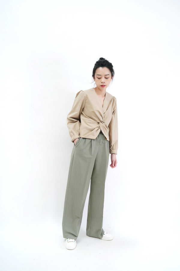 Beige shirt blouse w/ front knot