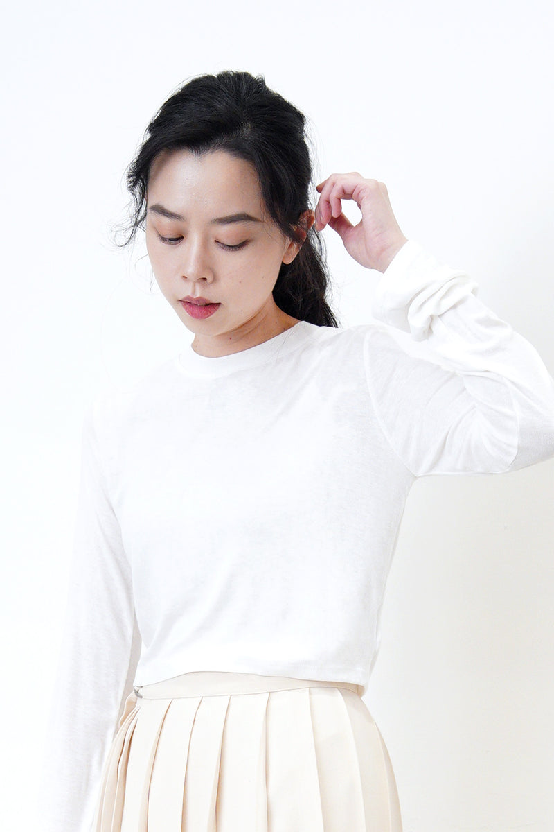 White basic soft top in crop cut