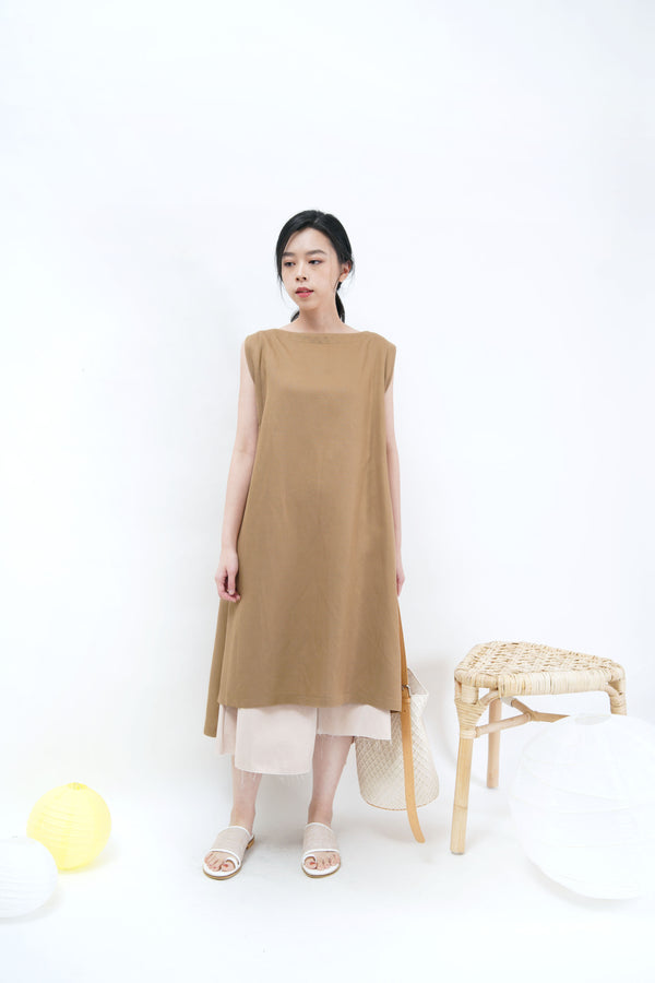 Milk tea linen one piece in split hem