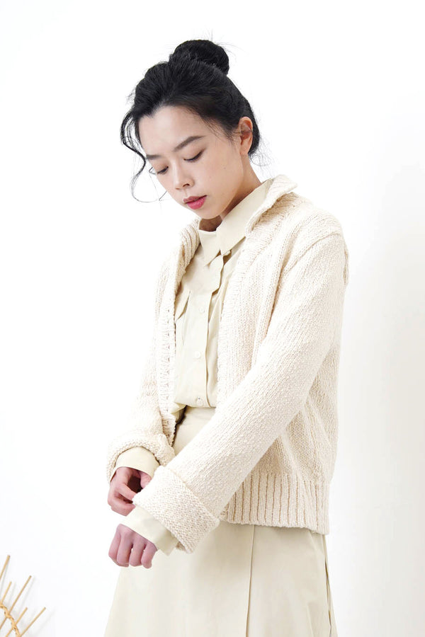 Ivory cardigan w/ polo collar