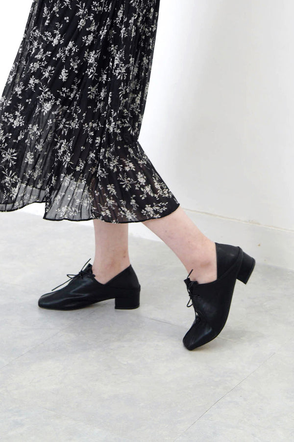 Black detail lace up shoes