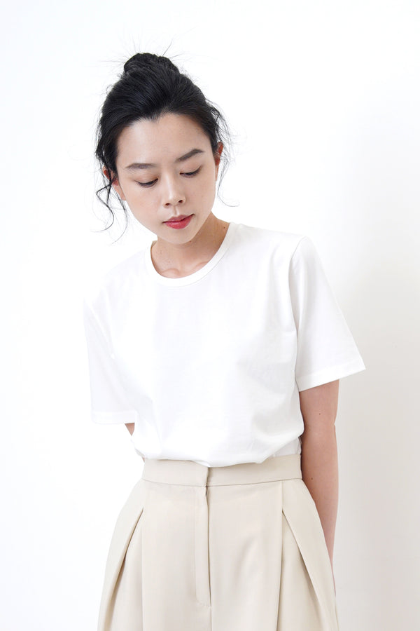 White Tee in stepped hem