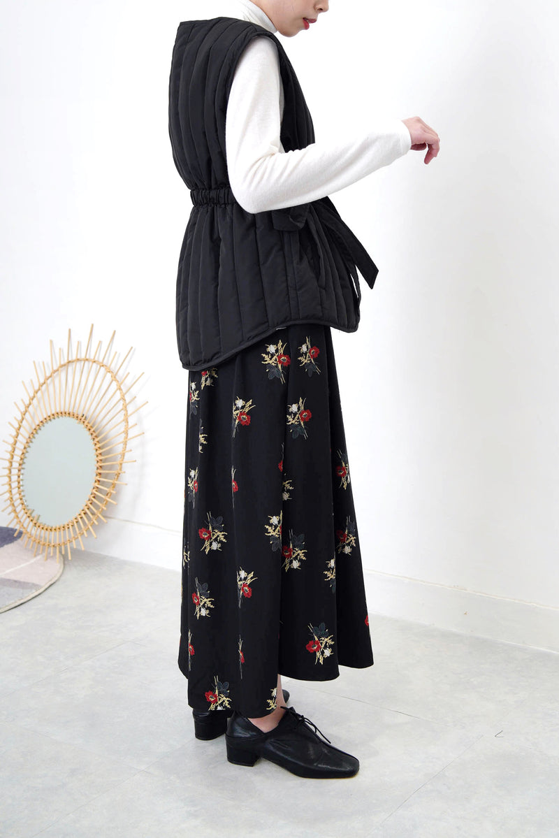 Black floral maxi skirt in pleats