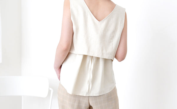 Beige 2 ways button vest in square collar