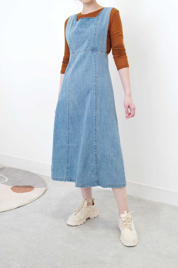 Light blue denim dress in adjustable straps